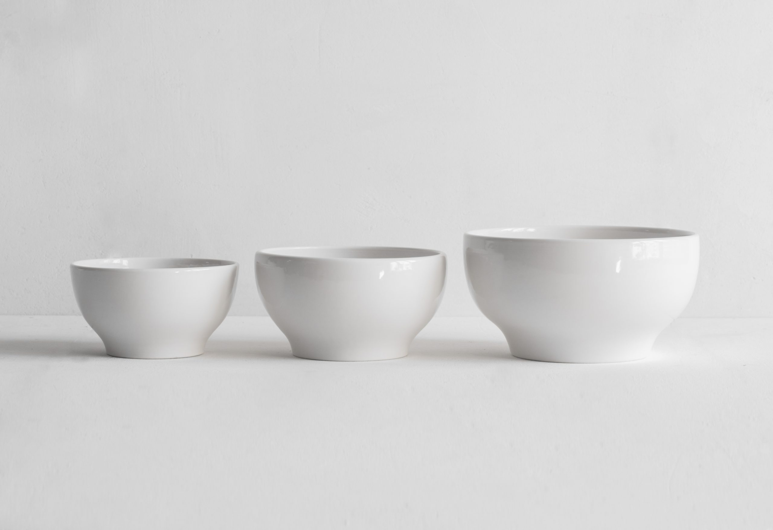 Classical Porcelain Simple Bowls Set of Three