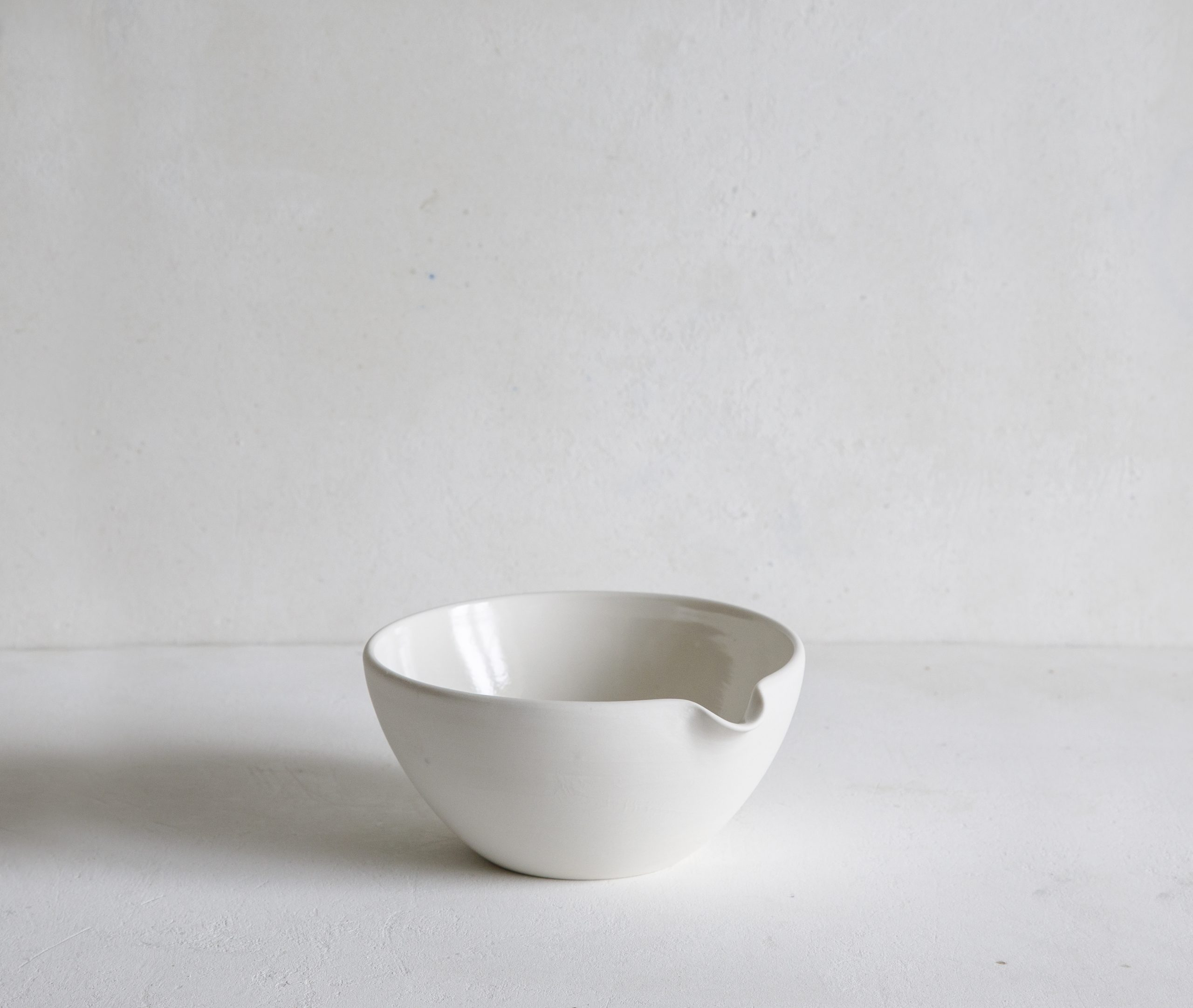 Mixing Bowl with pouring lip, extra small 15cm